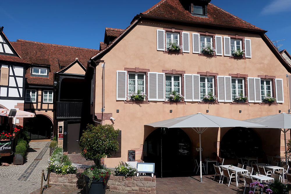 The exterior of 5 Terres Hotel and Spa in Barr, France