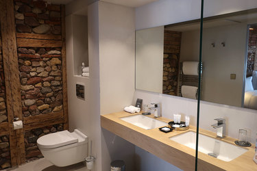 The bath of our junior suite at 5 Terres Hôtel and Spa in Barr, France