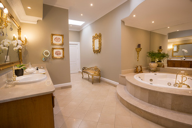 The bath of the Maison Spa Suite at Fairlawns Boutique Hotel and Spa in Johannesburg, South Africa