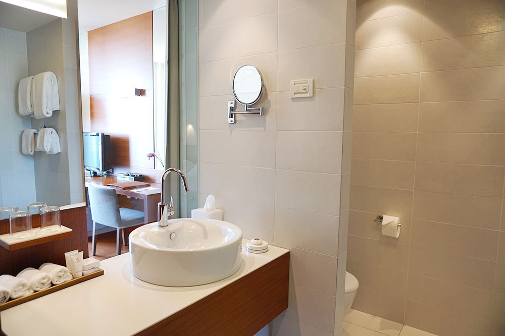 The bath of our Standard Suite at Villa Dubrovnik in Dubrovnik, Croatia