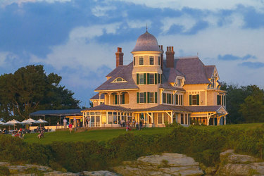 Exterior facade of Castle Hill Inn in Newport, Rhode Island
