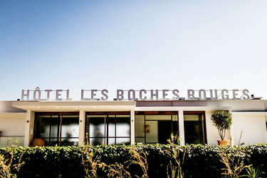 The exterior of Hôtel Les Roches Rouges in Saint-Raphaël, France