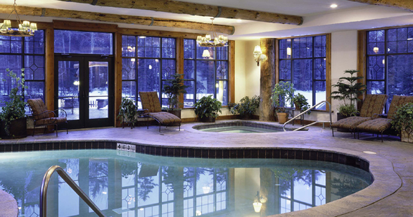 3308_The_Whiteface_Lodge_pool