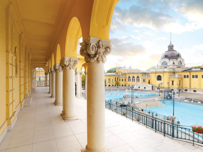 Four Seasons Gresham Palace | Luxury Hotel in Budapest Hungary
