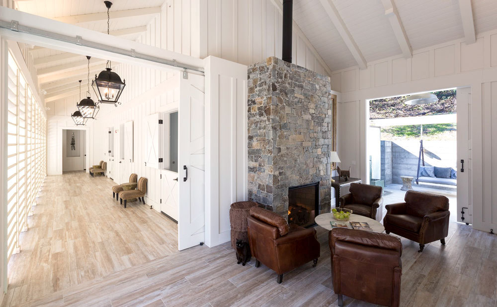 Farmhouse Inn Spa lounge