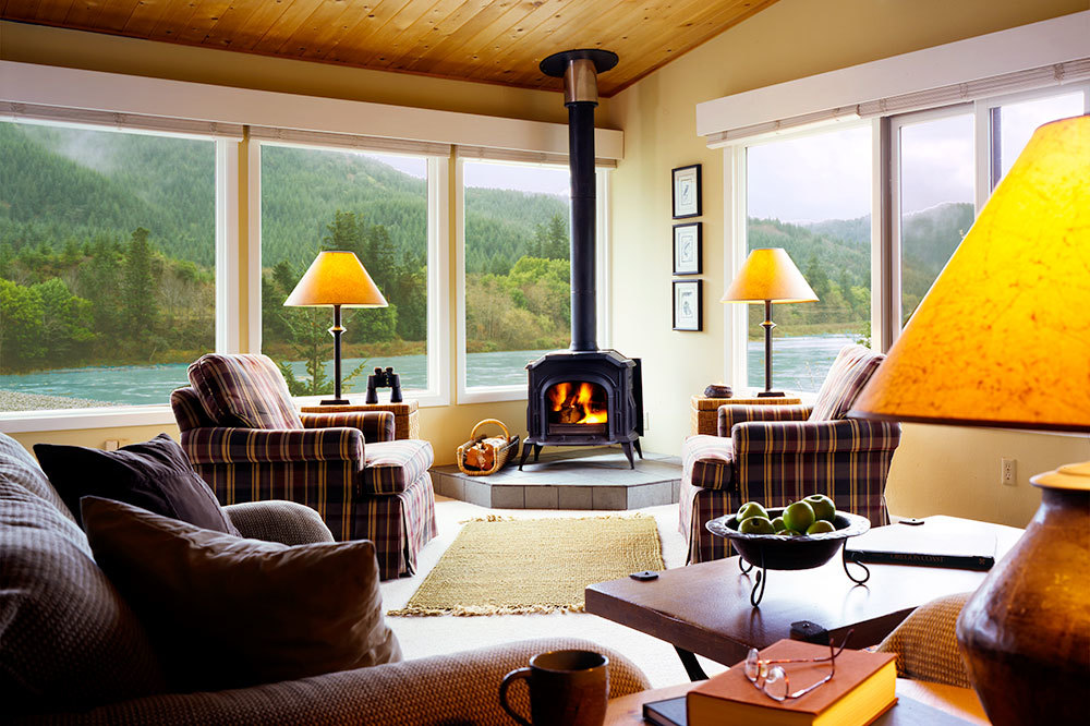 Chinook Suite with up close river views at Tu Tu' Tun Lodge in Western Oregon