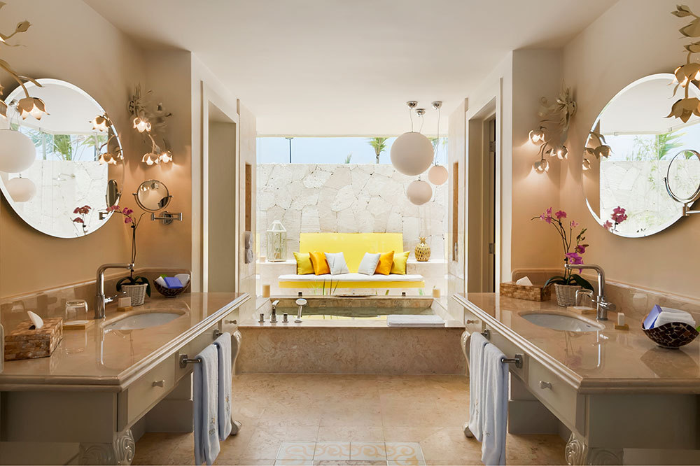 The Luxury Pool Junior Suite coral bath at Eden Roc at Cap Cana