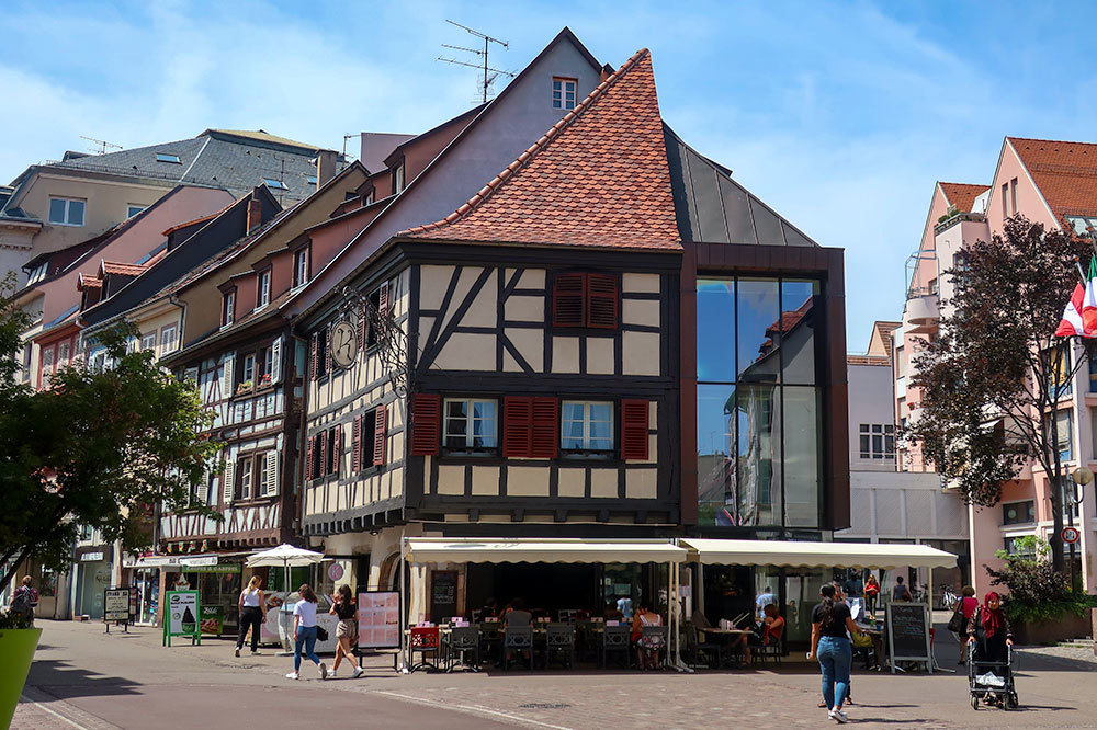 A major shopping street, Rue des Clefs, in Colmar, France