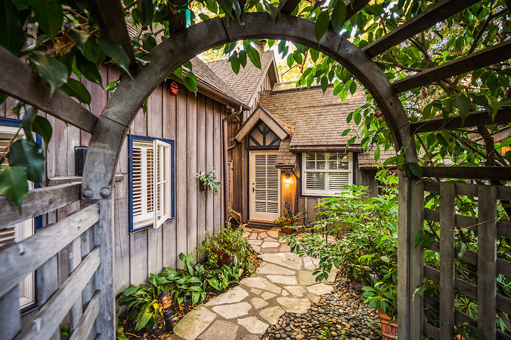 Arbor entryway at Simspon House Inn in Santa Barbara, California