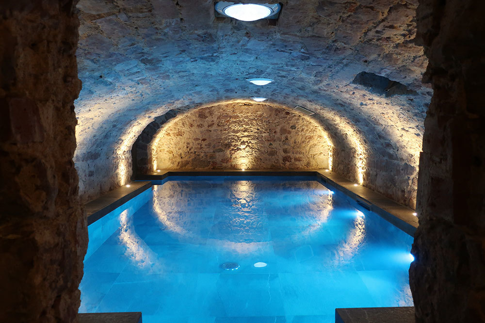 The swimming pool in the spa at 5 Terres Hôtel and Spa in Barr, France