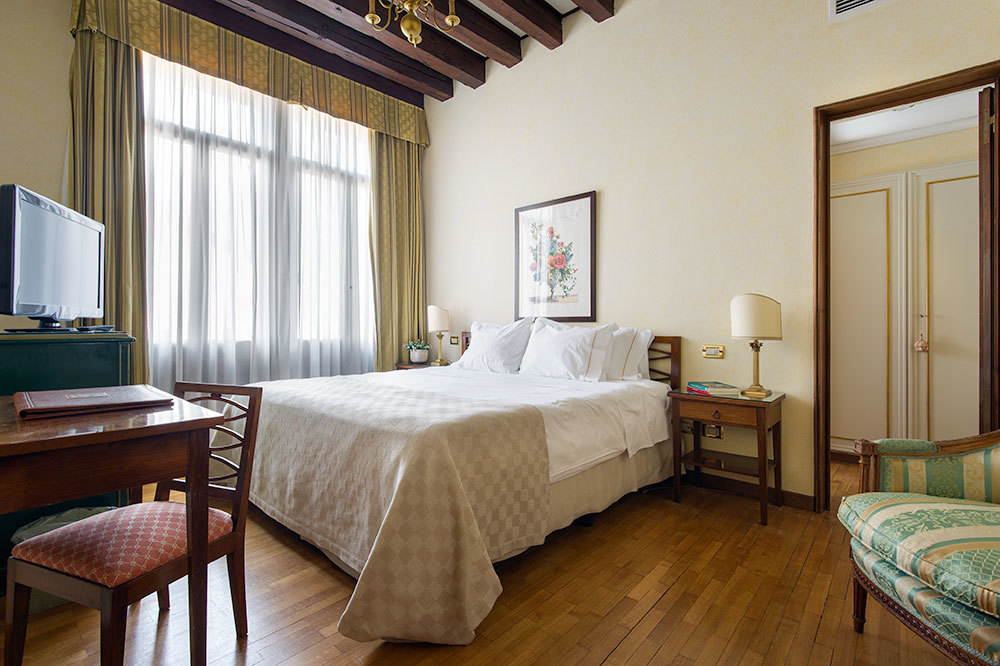 Classic Double Room at Hotel Villa Cipriani in Veneto, Italy