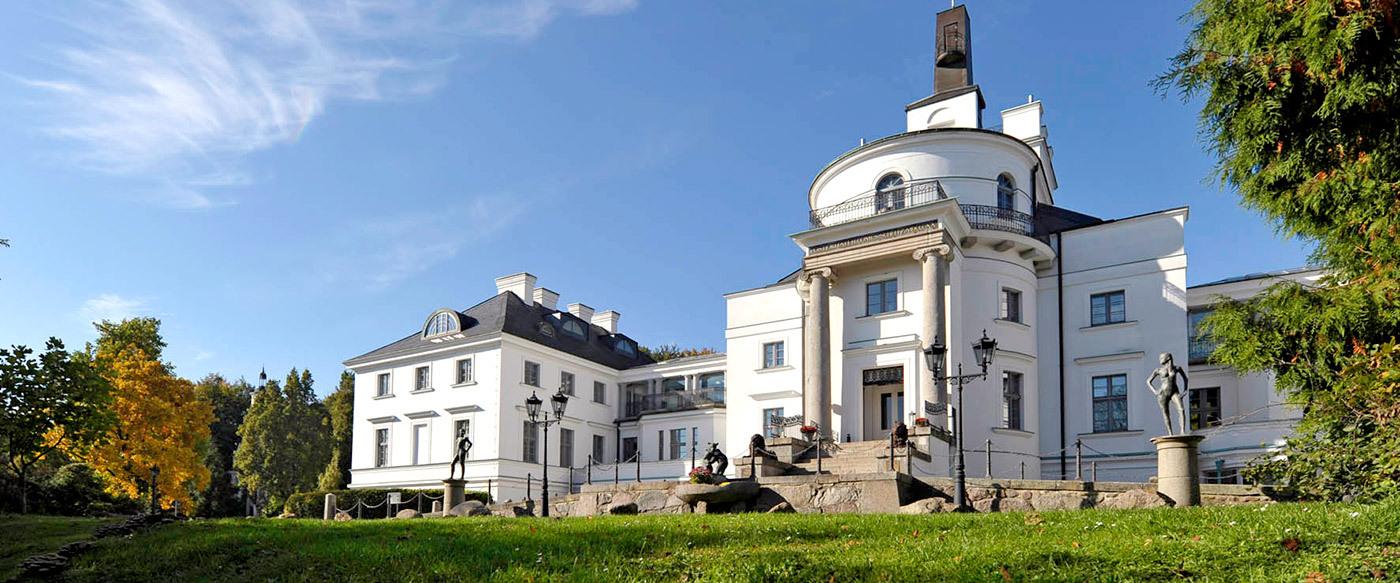 schlosshotel burg schlitz luxury hotel in mecklenburg vorpommern germany. Black Bedroom Furniture Sets. Home Design Ideas